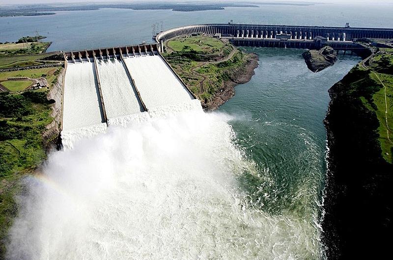 Criada em 1962, Eletrobras tem metade do capital de Itaipu Binacional, localizada entre o Brasil e o Paraguai