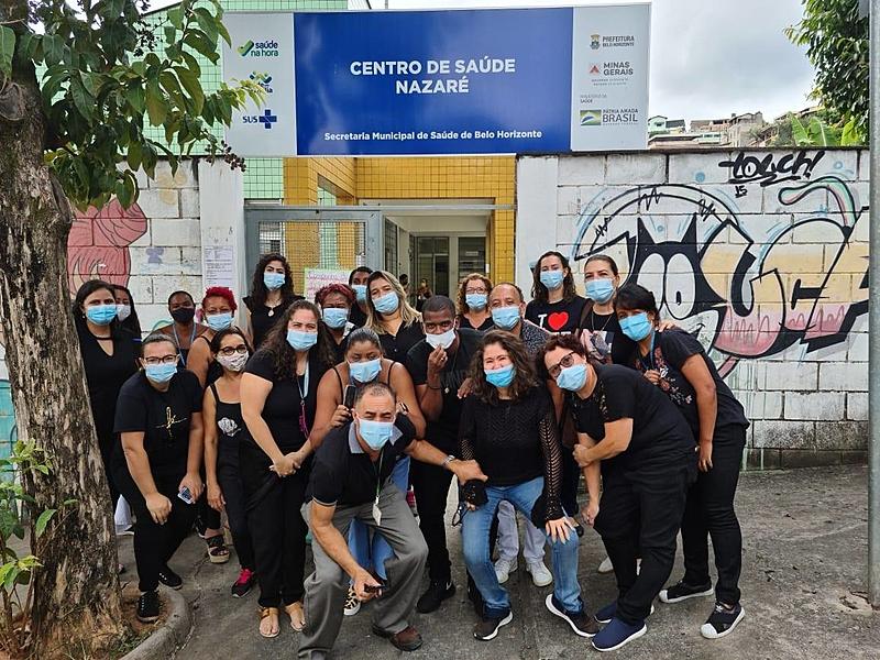 Profissionais vestem preto neste Dia Mundial da Saúde em protesto contra a gestão de Bolsonaro durante a pandemia