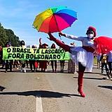 Drag Sem Terra mobilizada em Brasília por Vacina no Braço, Comida no Prato e Fora Bolsonaro, em manifestação do dia 19 de junho