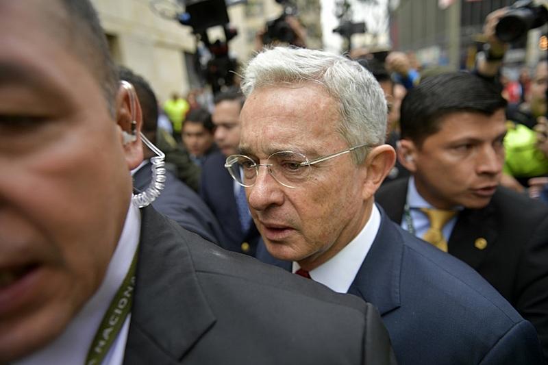 Colômbia: Justiça decreta prisão do ex-presidente | Internacional