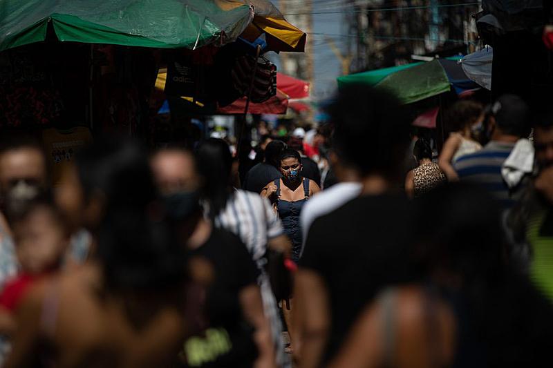 Assim como no restante do Brasil, índices de isolamento em Manaus estão abaixo do ideal há meses
