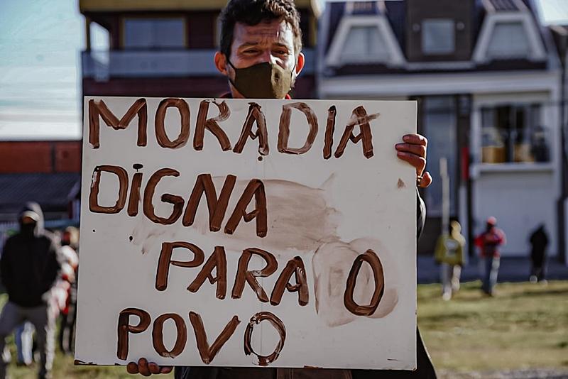 Moradores de ocupação protestam por direito à moradia